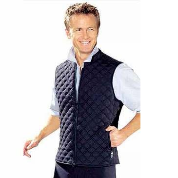 Источник.  В наше время мужской жилет очень широко распространен и пользуется огромной популярностью.