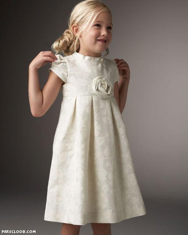 платье с закрытой шеей бижутерия под него